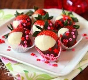 آموزش جالب تهیه توت فرنگی های رمانتیک