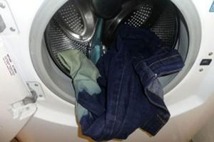 راه هایی برای شستن شلوار لی در ماشین لباسشویی