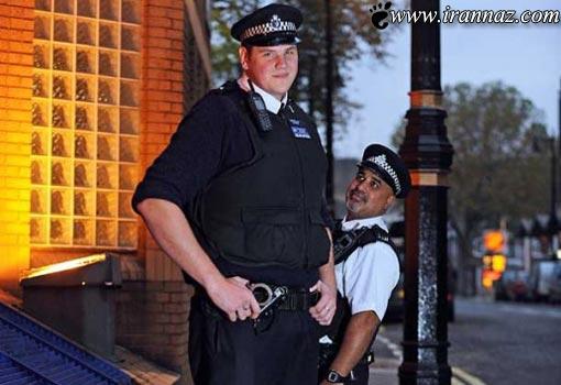 محافظان خنده دار ملکه انگلیس با لقب زیر و بم (عکس)