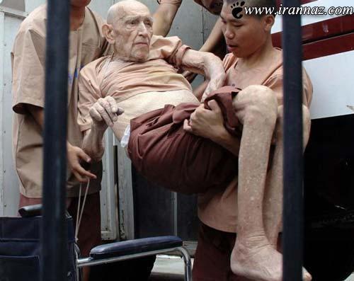 تجاوز به 4 خواهر در لحظه 90 از عمر این پیرمرد (عکس)
