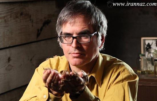 عکس هایی از مردی که به خوردن سوسک معتاد است