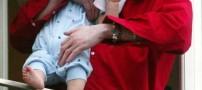حركت جنون آمیز مایكل جكسون با یک کودک چند ماهه!