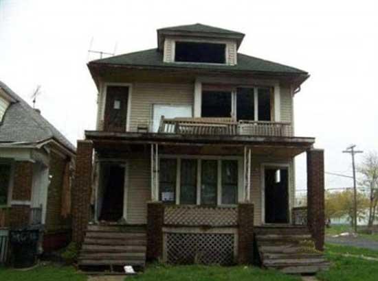 خانه ای که با قیمت یک دلار به فروش نرسید (عکس)