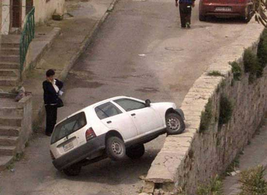 این هم از عاقبت رانندگی خانم ها (عکس)