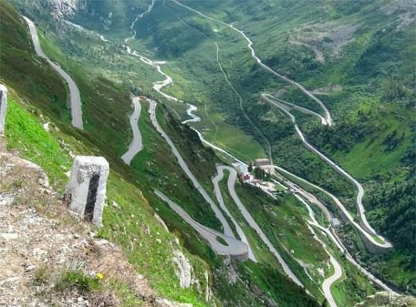 عکس هایی جالب و دیدنی از زیباترین جاده های دنیا