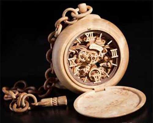 ساعت های موچی که از چوب درست شده است (عکس)