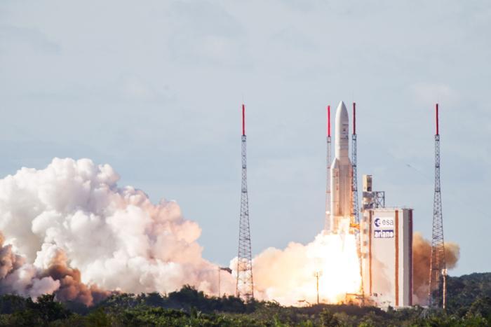 موشک آریان ۵ راهی فضا شد (عکس)