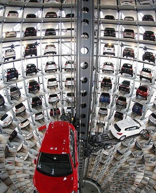 شگفت انگیزترین و جالب ترین پارکینگ های دنیا (عکس)