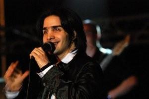 گفتگو با محسن یگانه در مورد کنسرت شلوغش در کیش