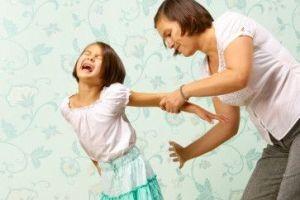 ده رفتار مناسب به جای تنبیه بدنی در کودکان