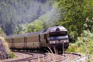 پخش شدن فیلمی غیر اخلاقی در قطار «رجا»!!