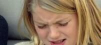 دختری که روزی 12هزار بار عطسه میکند!