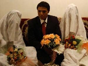 ازدواج همزمان پسر شانزده ساله با 2 دختر هم سن خود!!