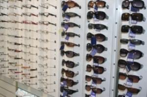 رنگ عینک برای مردان و زنان!!