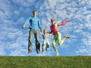 24 نشانه یک خانواده خوشبخت