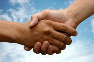 شخصیت  شناسی از روی حرکات دست ها (از مچ تا سر انگشتان)
