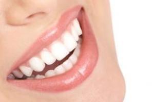 توصیه ای برای داشتن دندانهایی سفید و درخشان