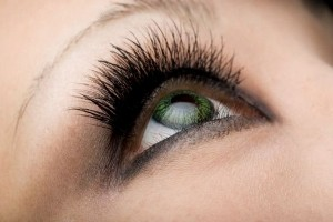 آیا خط چشم مشکی از مد افتاده است؟
