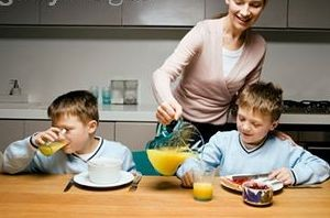 از این آبمیوه برای کودکتان تهیه کنید