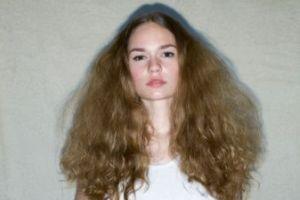 Image result for روشهای صاف کردن موهای مجعد