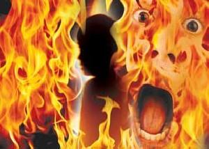 مادرشوهر، عروسش را آتش زد!!