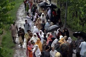 100 میلیون دلار کمک جدید دولت به سیلزدگان پاکستان