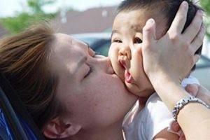 چرا انسانها همدیگر را میبوسند؟