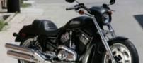 جا گذاشتن دختران در موتور سیکلت فروشیها !!