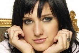 چرا بعضی از مردم زیباتر و جذابتر هستند؟