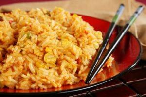 طرز تهیه برنج سرخ کرده (غذای چینی)