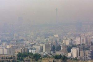 هوای تهران دیروز به مرز اضطرار رسید