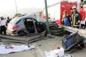 تصادف مرگبار خودرویی با تیر چراق برق