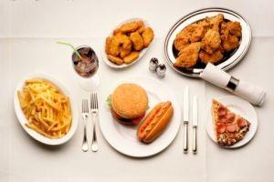 کالری و کربوهیدرات موجود در خوراکی ها