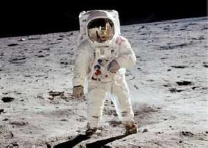 به این ده دلیل نمیتونید در فضا زندگی کنید