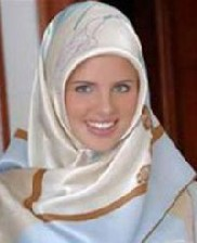 مسلمان شدن دختر مانکن و بسیار معروف فرانسوی !