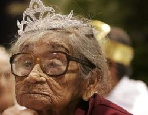 جشن تولد 126 سالگی پیر زن کوبایی !