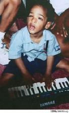 قدرت عجیب کودک ۹ ساله نابینا در نواختن پیانو