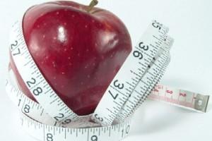 10 عادت بسیار خطرناك كه شما را چاق میكند