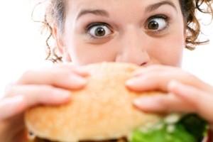 عوامل اصلی پرخوری در زنان ؟!