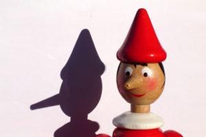 چرا فرزند من مکرراً دروغ میگوید؟