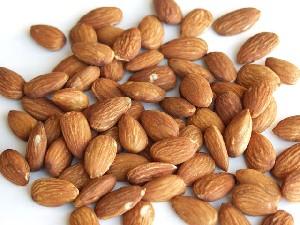 دفع سنگ کلیه با مصرف روغن بادام شیرین