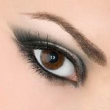 آرایش چشم ها جهت درشت نمودن آن