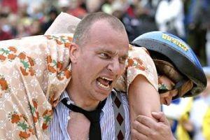 عکسهای جالب از مسابقه زن ذلیل ها (حمل همسر)