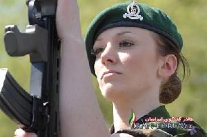مدل زن مشهور انگلیسی در عراق میجنگد +عکس
