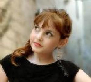 تفاوت جالب دختر در ایران و آمریکا (طنز)