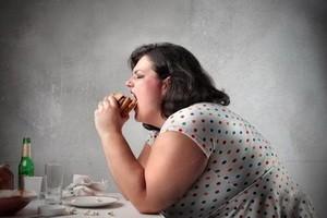 پنج دلیل غیر منتظره برای افزایش وزن و چاقی