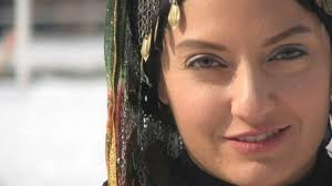 آواز خوانی مهناز افشار در آلبوم جدید خواننده معروف!