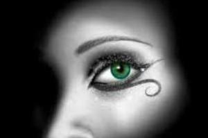 تدبیر عربستان برای زنانی که چشمان زیبا دارند