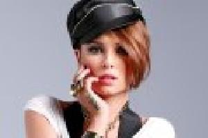 خواننده زن زیباو مشهور که عادتی بد و ناپسند دارد!