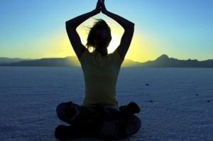ورزش یوگا و مشکلات یائسگی